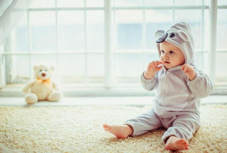 kiedy dziecko samodzielnie siedzi